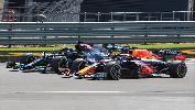 """""""J'ai trouvé la pénalité sévère"""" : Mercedes défend Hamilton après le crash avec Verstappen"""